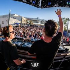 Camilo Franco b2b Oscar Colorado at Space Opening Fiesta 29/05/2016