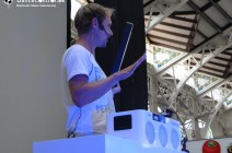 PHILIPS PRESENTS ARMIN VAN BUUREN M1X-DJ IN VALENCIA